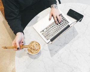 Eten tijdens het werken